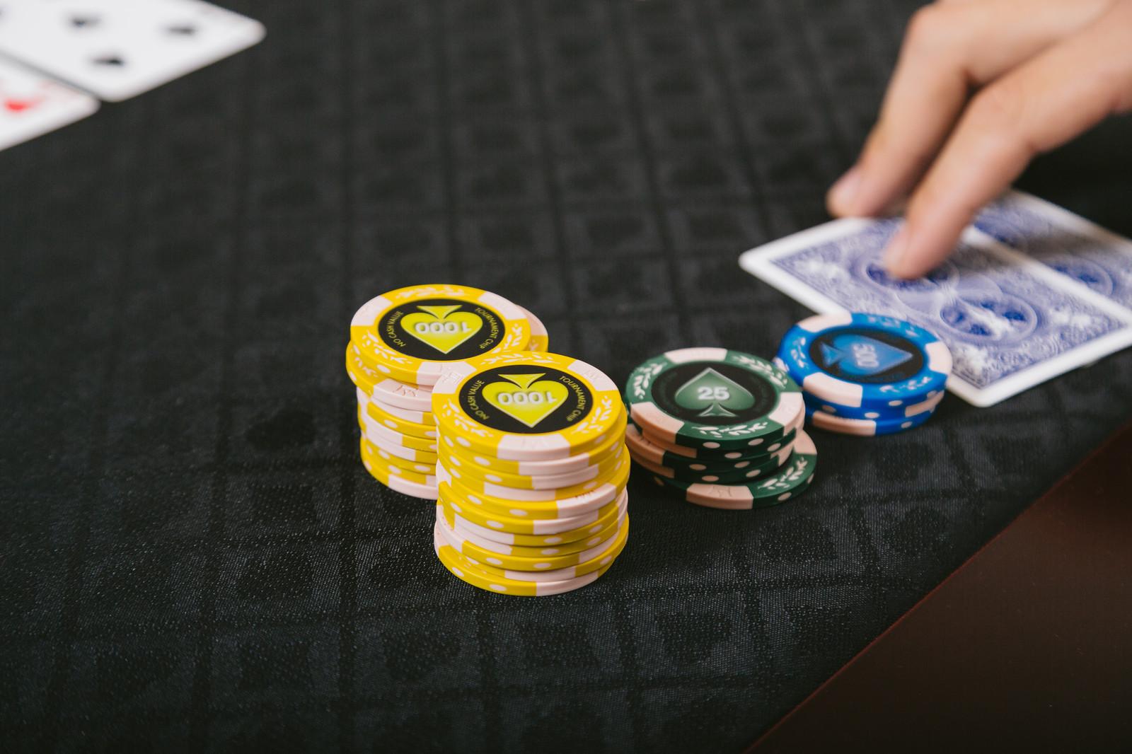 パチンコ業界に終焉を告げるカジノ法案改正?入場料金が希望!